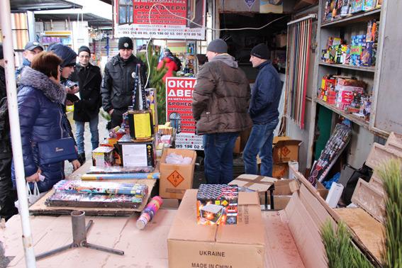 В Одесской области началась «охота» на продавцов елок и нелегальной пиротехники