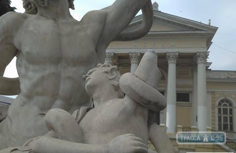 В Одессе вандалы повредили скульптуру «Лаокоон и сыновья»