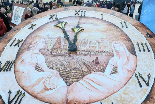 Около 30 тысяч человек встретили Новый год на Думской площади
