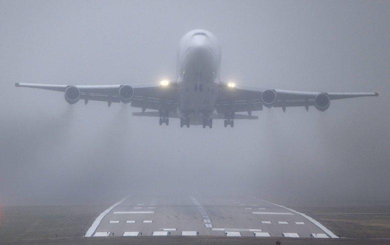 Из-за густого тумана самолет из Киева не смог сесть в Одессе