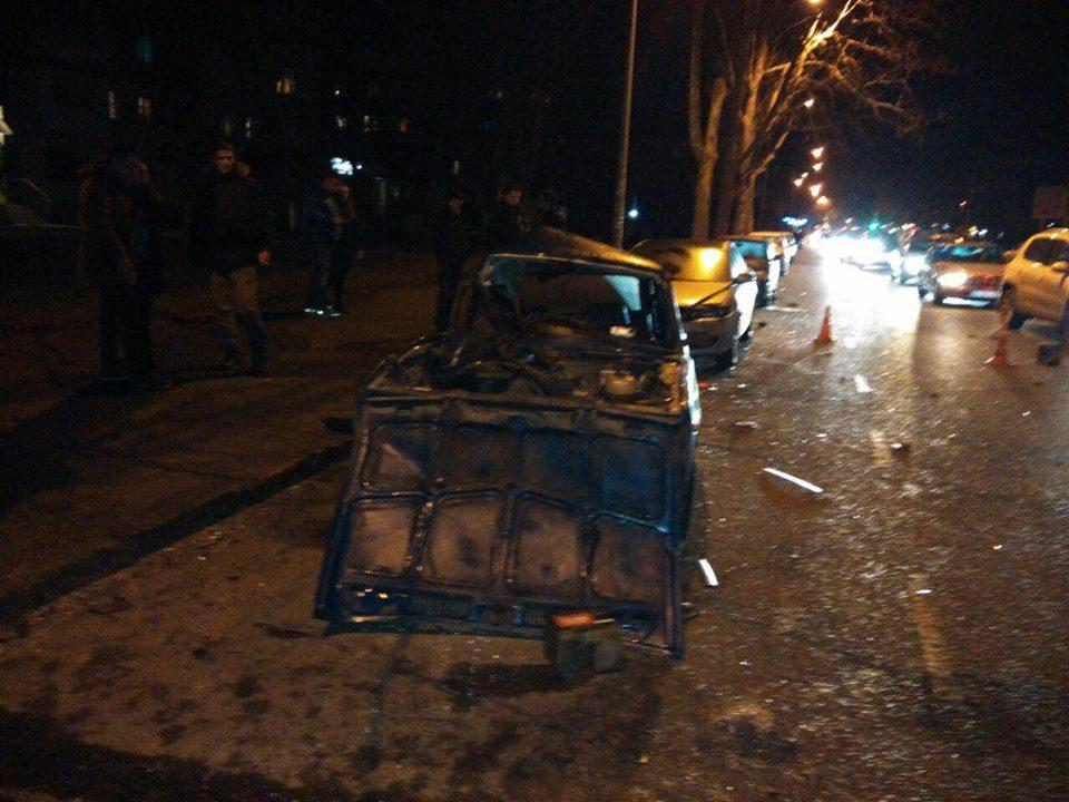 Mercedes vs ВАЗ: на Фонтане произошло серьезное ДТП