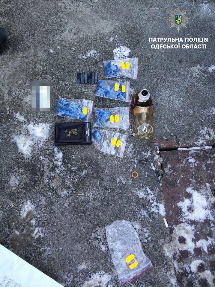 Одесские патрульные поймали «закладчика»