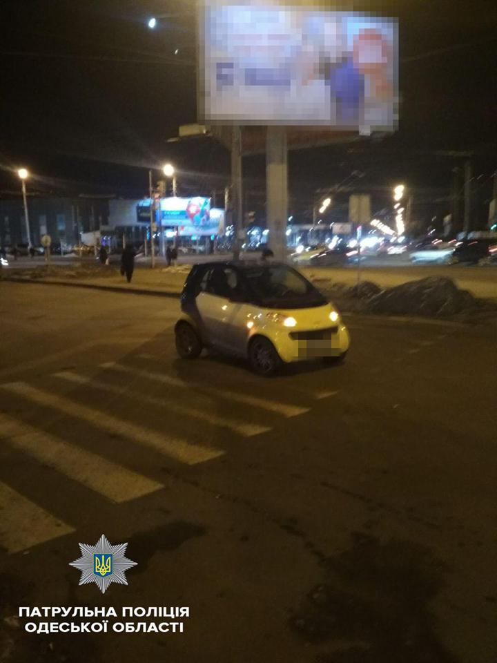 В Одессе Smart сбил человека