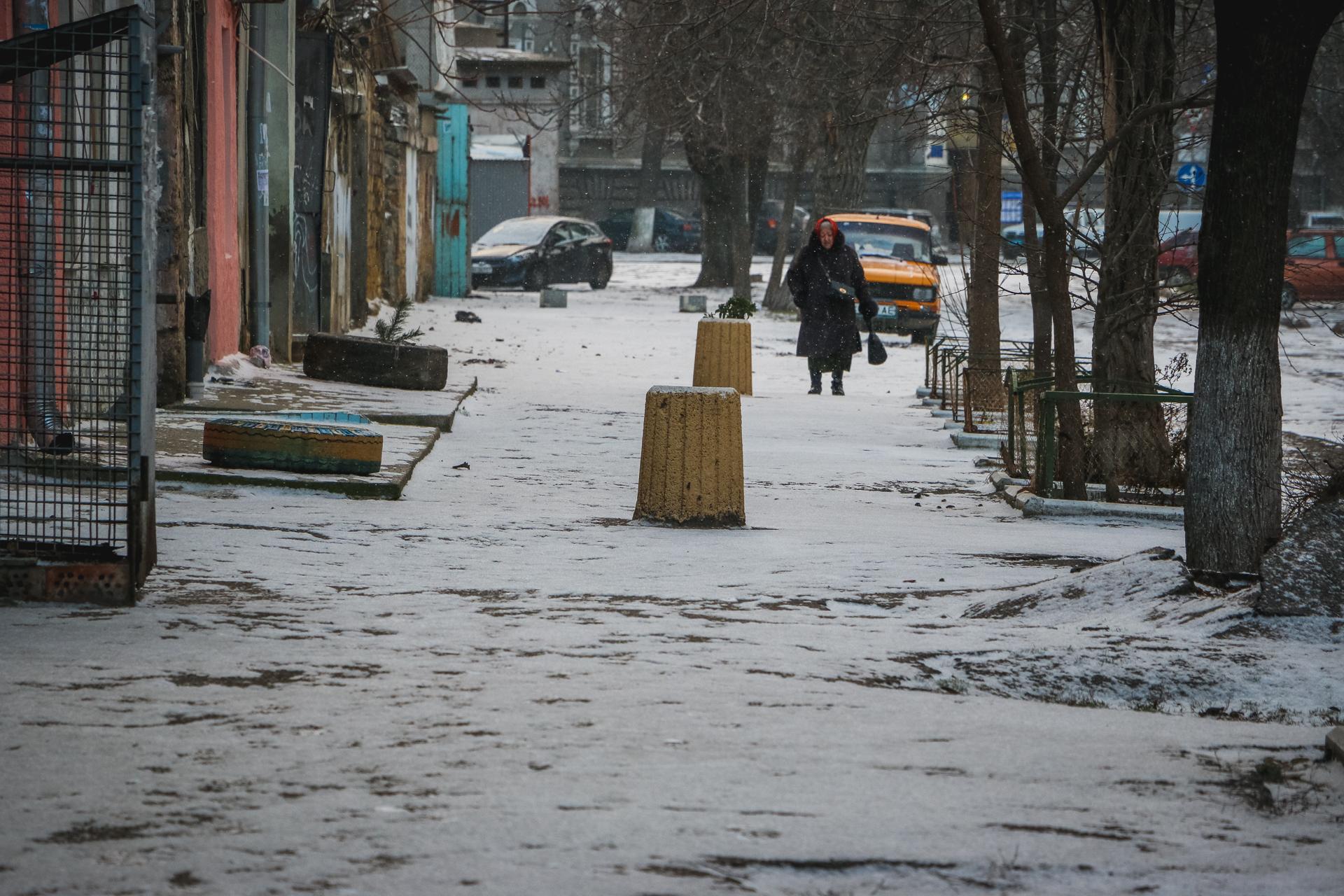 Середина зимы: в Одессе выпал первый снег