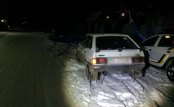 ДТП по-зимнему: в Одесской области санки врезались в машину