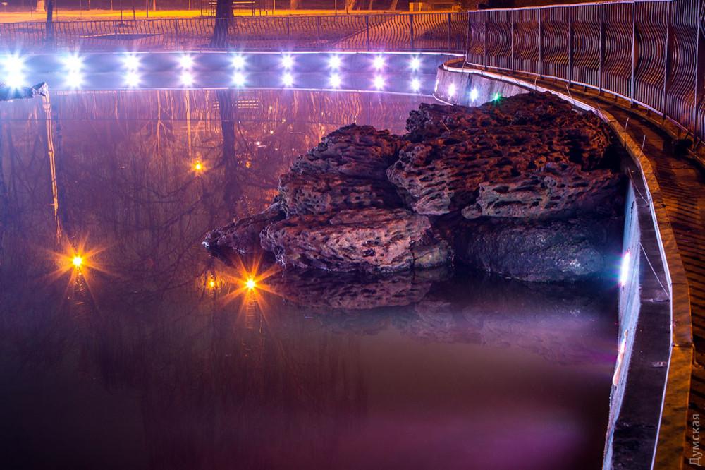 Пруд в парке Победы украсили подсветкой