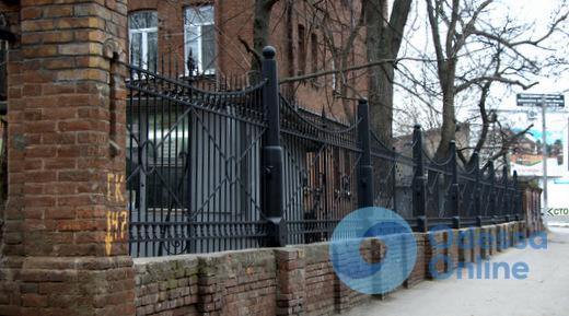 В Одессе отремонтировали уникальную «пушечную» ограду