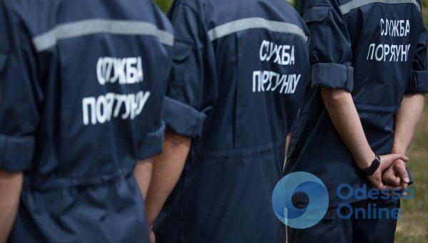 Спасатели освободили из снежного плена 13 человек на дорогах Одесской области