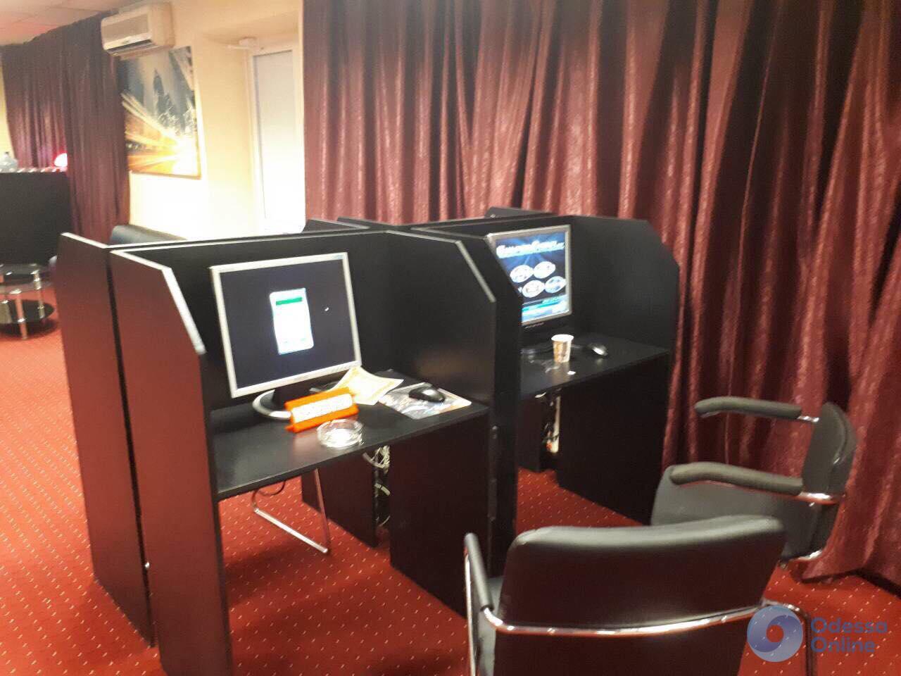 Прокуратура накрыла четыре подпольных казино в Одессе (фото)