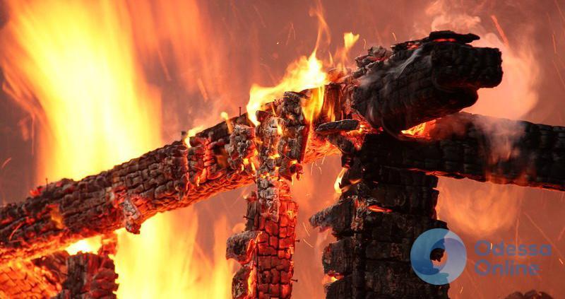 Пожар в Одессе: один труп и один пострадавший