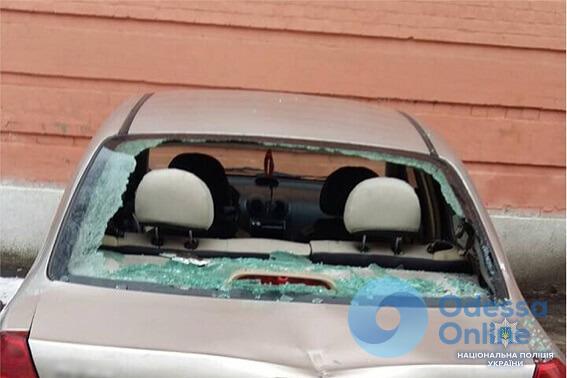 Одесский активист разбил 13 автомобилей возле Соломенского райсуда Киева