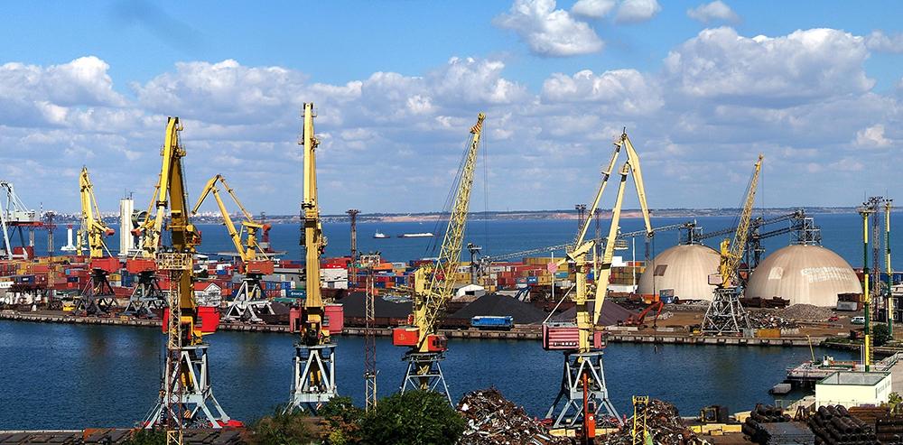Объемы грузоперевалки в Одесском порту упали на 10,1%
