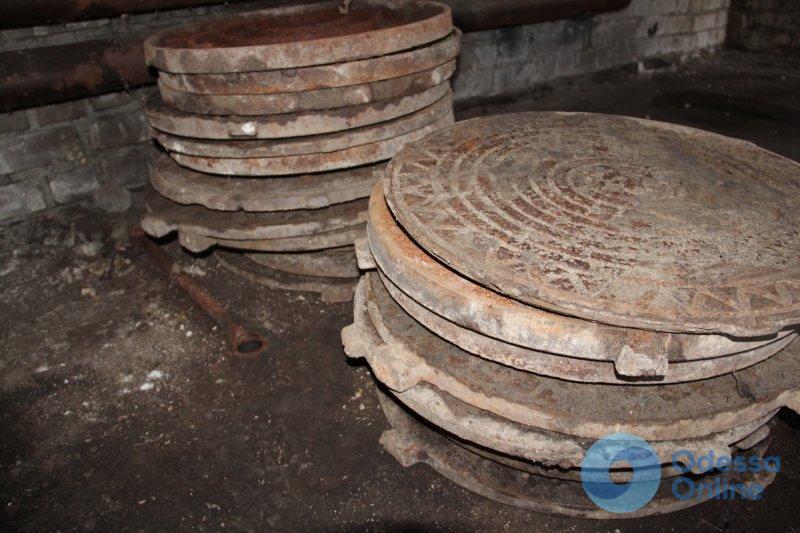 В Одесской области задержали серийных воров канализационных люков