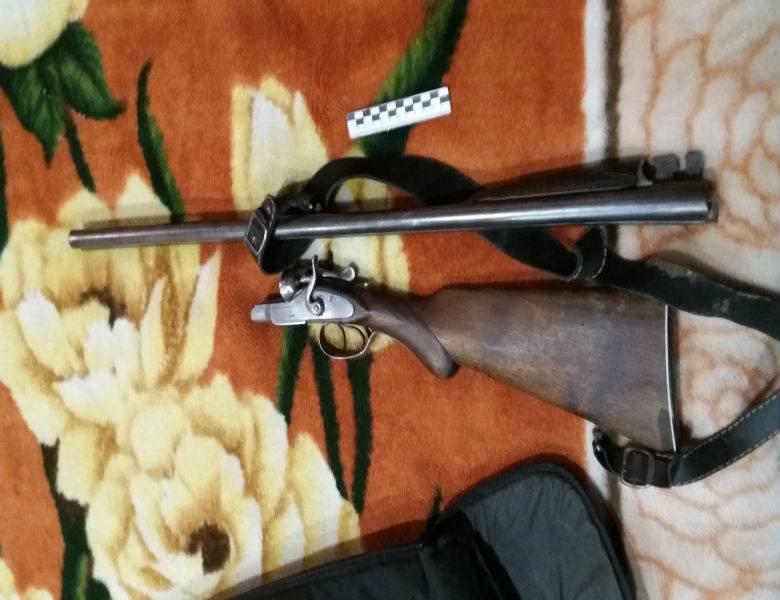 Житель Одесской области расстрелял из ружья машину должника