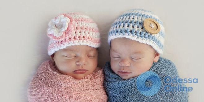 В Одессе за неделю родилось одинаковое количество мальчиков и девочек