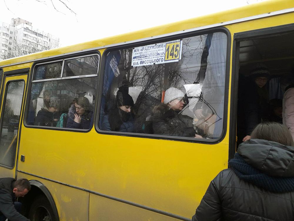 Одесская маршрутка чуть не потеряла колесо (фотофакт)