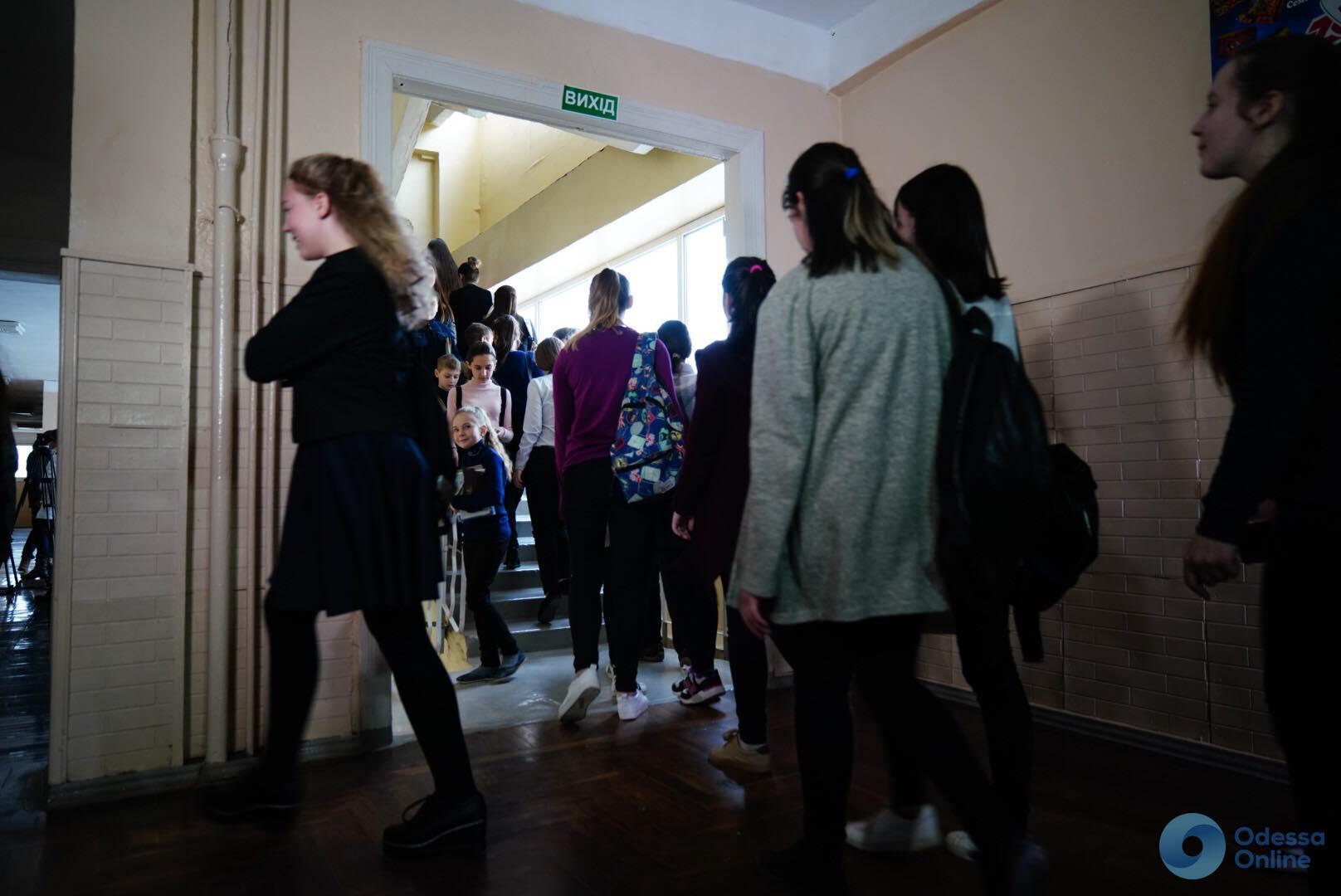 Отравление газом в одесской школе: виновник пока не найден