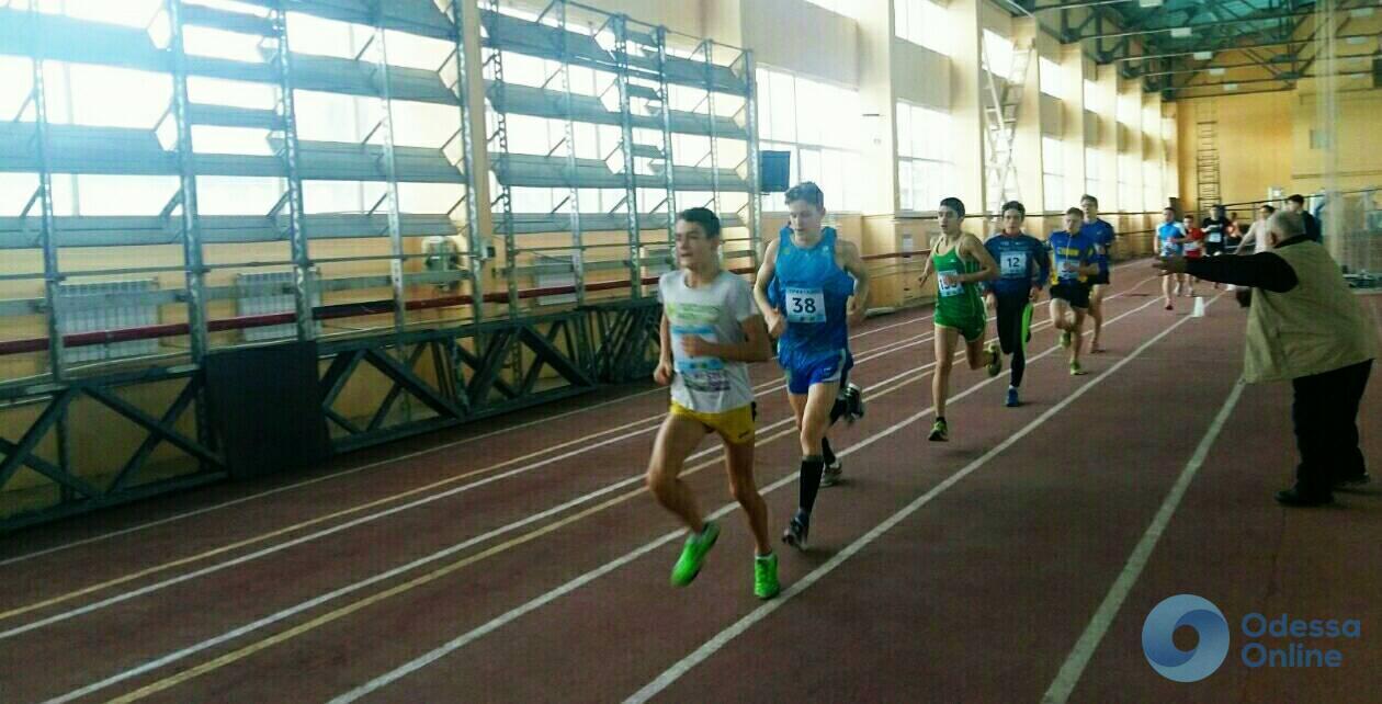 Одесские триатлеты завоевали медали чемпионатов Украины по акватлону и легкой атлетике