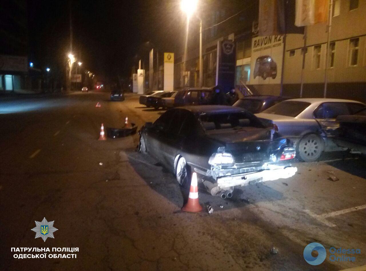 Одесса: «аватар» на BMW разбил пять авто (фото)
