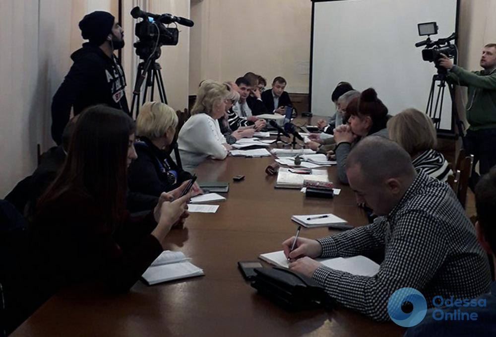 Одесским медработникам просят запретить заниматься благотворительностью