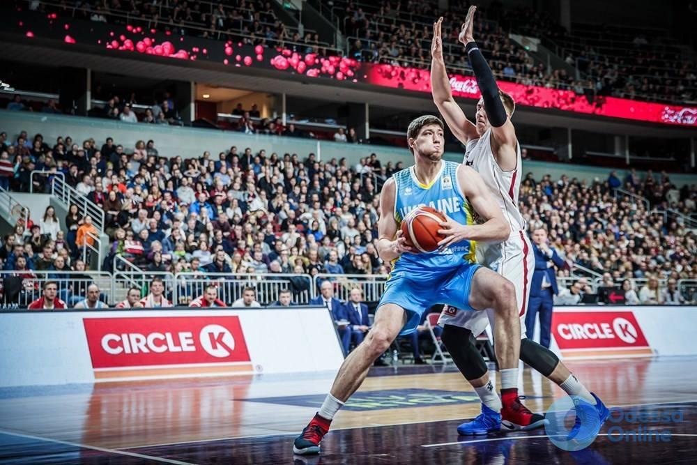 Одесский баскетболист помог сборной Украины одержать победу над командой Латвии