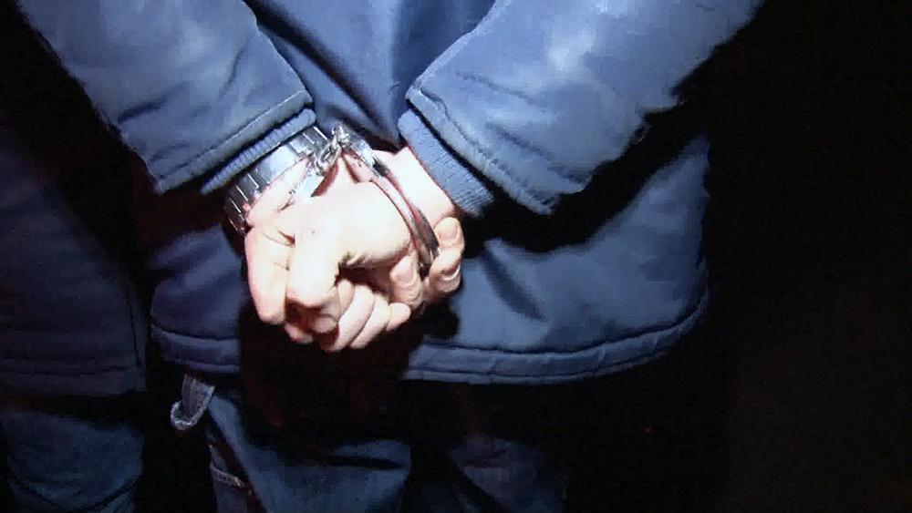 Вооруженный разбойник посреди дня ворвался в квартиру одессита (фото, видео)