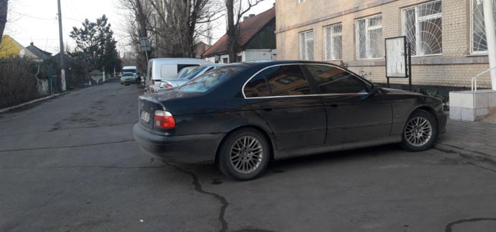 Прокатился: угнав отцовский BMW, парень оказался в полиции