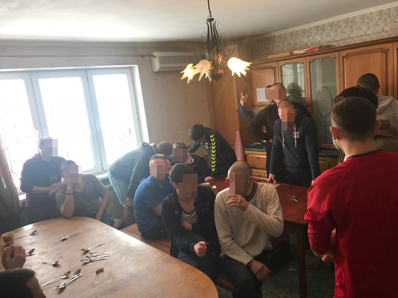 В одесском реабилитационном центре держали в неволе 80 человек