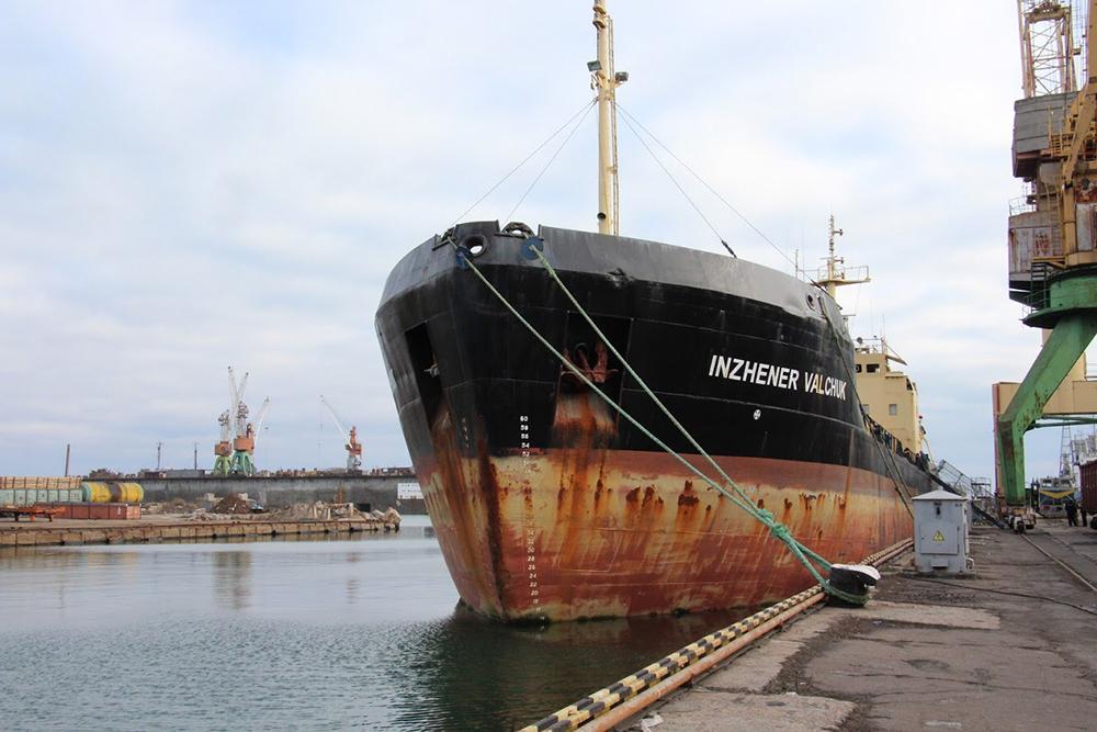 Одесский порт: Украине вернули 20-летний танкер