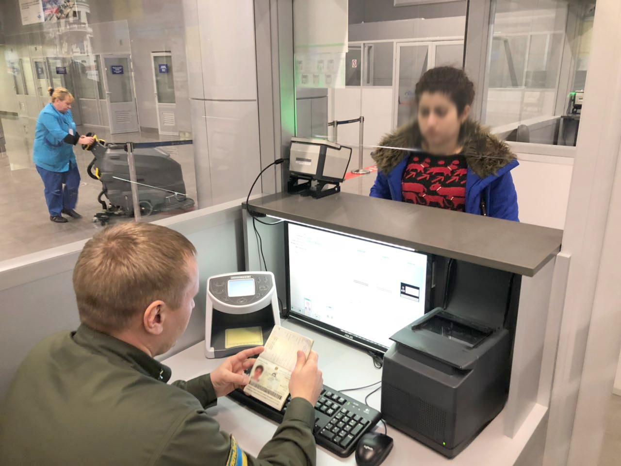 В Одесском аэропорту задержали двух иранок с поддельными паспортами