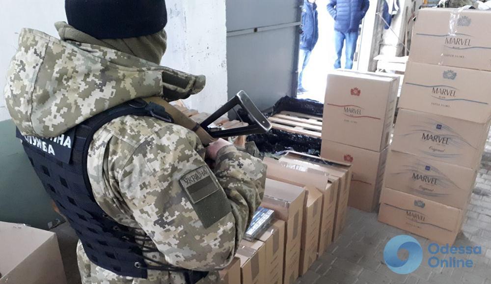В Одесской области нашли контрабандные сигареты на треть миллиона (фото)