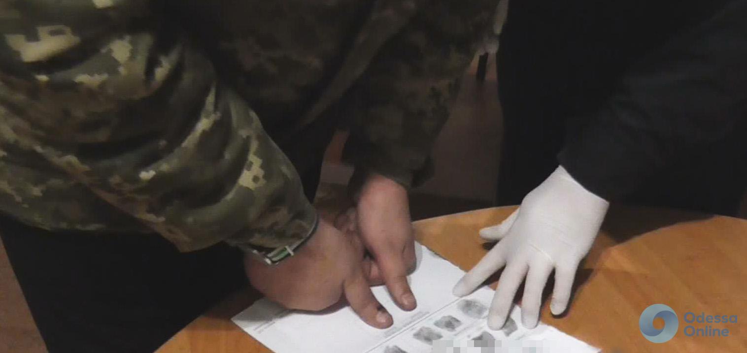 Одесса: иностранец пожаловался на ограбивших его полицейских