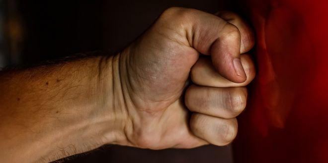 В Одессе два парня избили недовольного шумом соседа