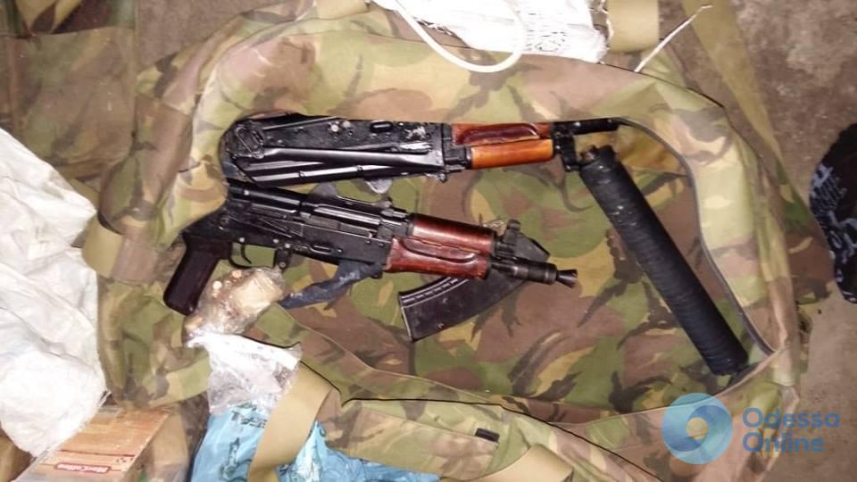 Спецоперация под Одессой: бывший военный хранил в гараже огромный арсенал оружия
