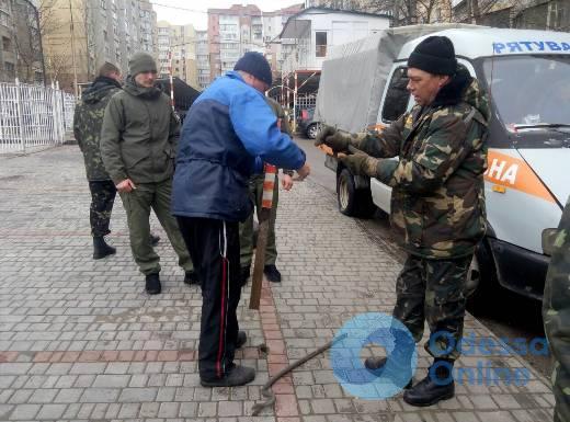 За день одесские коммунальщики убрали около сотни юнипаркеров