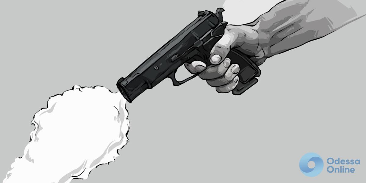 Стрельба на одесском вокзале: пьяный полицейский чин открыл огонь и потерял пистолет