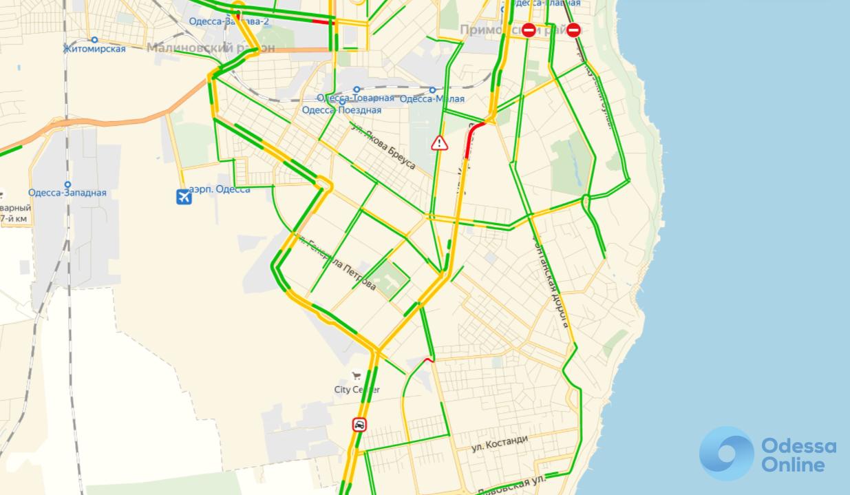 Ситуация на дорогах Одессы: пробки на поселке Котовского и «тянучки» на Пересыпи и Таирова