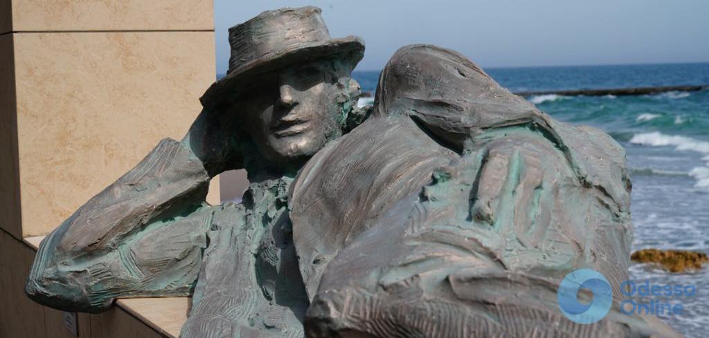 В Одессе установили скульптуру «Мечтатель»