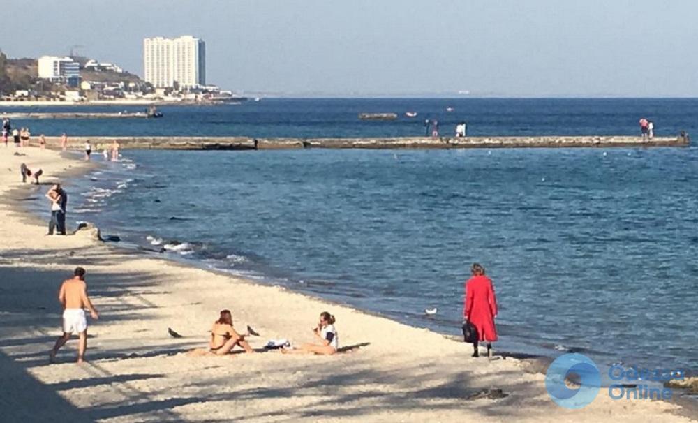 На одесских пляжах спасли пять человек