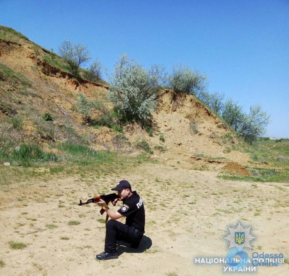 В Белгороде-Днестровском полицейские оттачивали навыки стрелкового мастерства