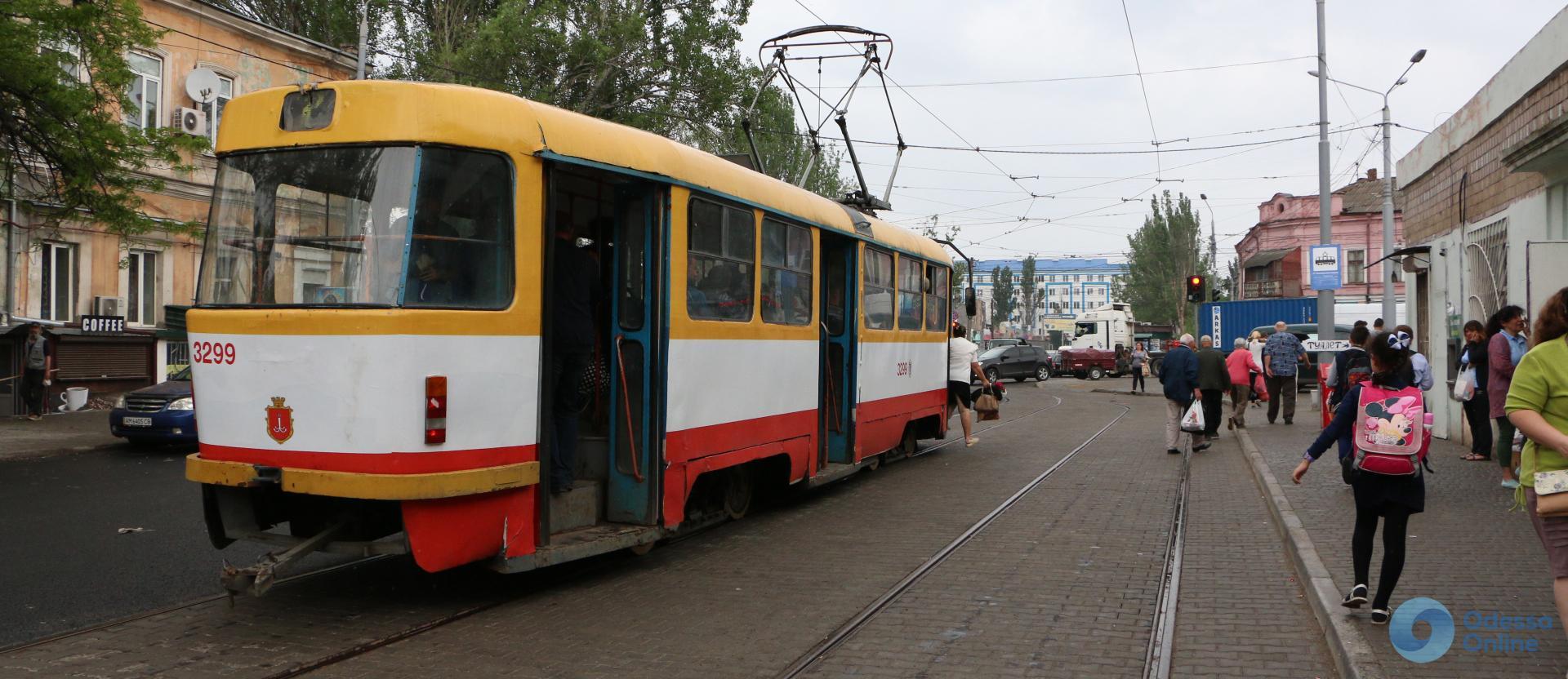 Одесса: на Одария оборудовали остановку и переходы с учетом интересов незрячих
