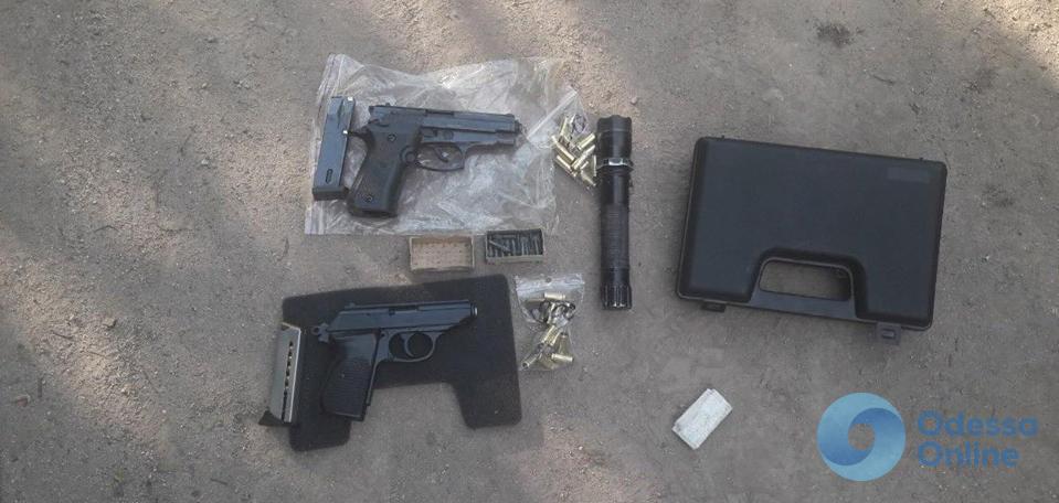 Балта: у торговца оружием отобрали товар