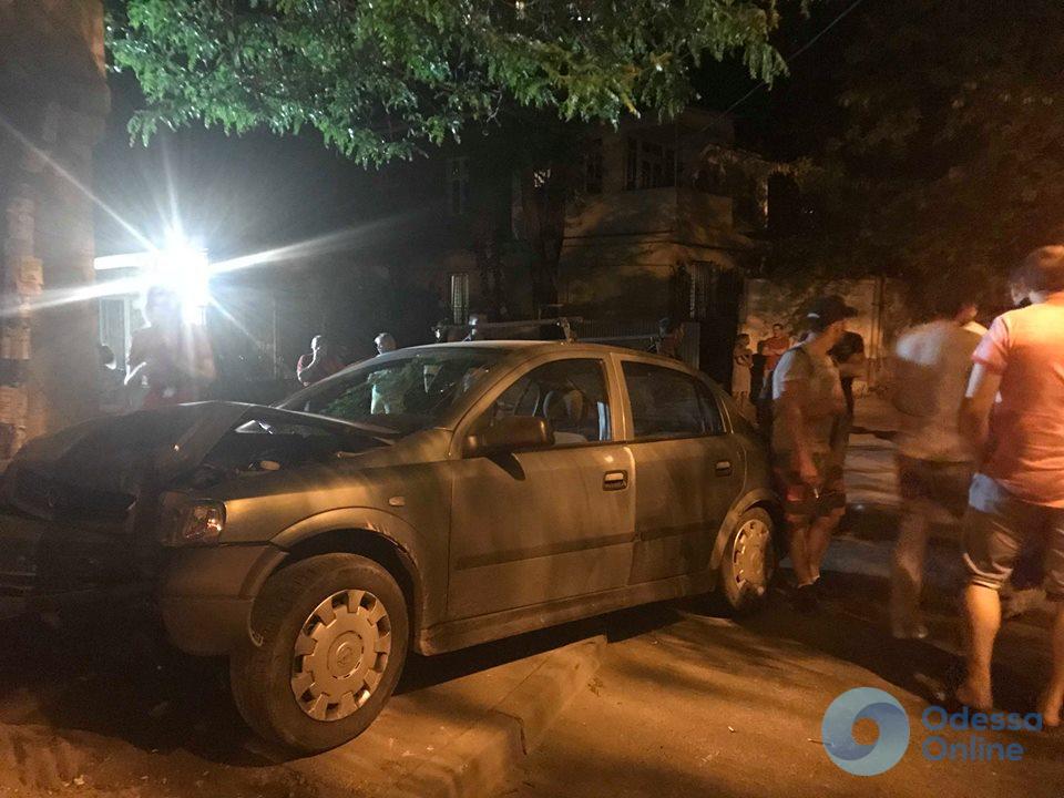 ДТП в Одессе: два человека пострадали
