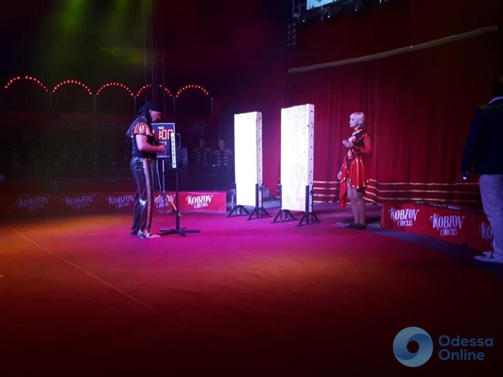 В Одессе цирковые артисты установили сразу два национальных рекорда