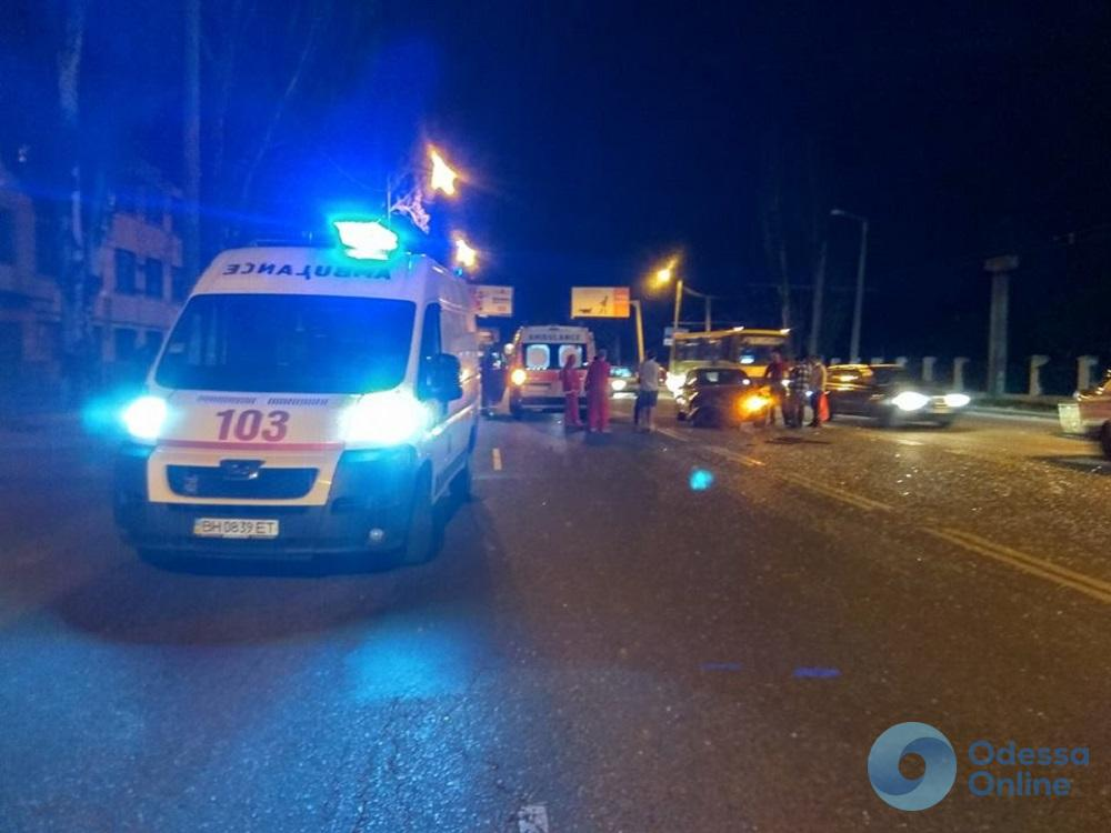 Одесса: ребенок получил травмы в ДТП на Николаевской дороге