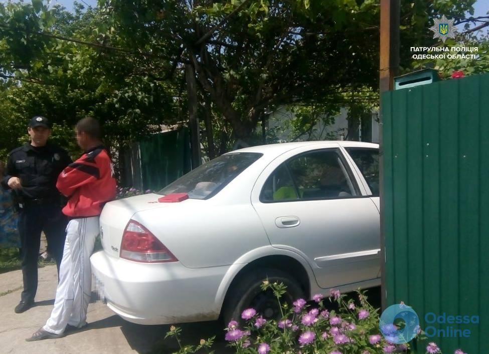 В Измаиле пьяный водитель иномарки врезался в ворота частного дома
