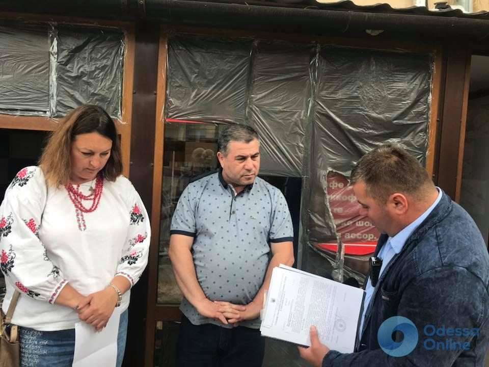 В Одессе закрыли 80 точек по продаже шаурмы