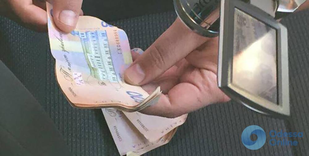 В Одессе на взятке поймали полицейских руководителей