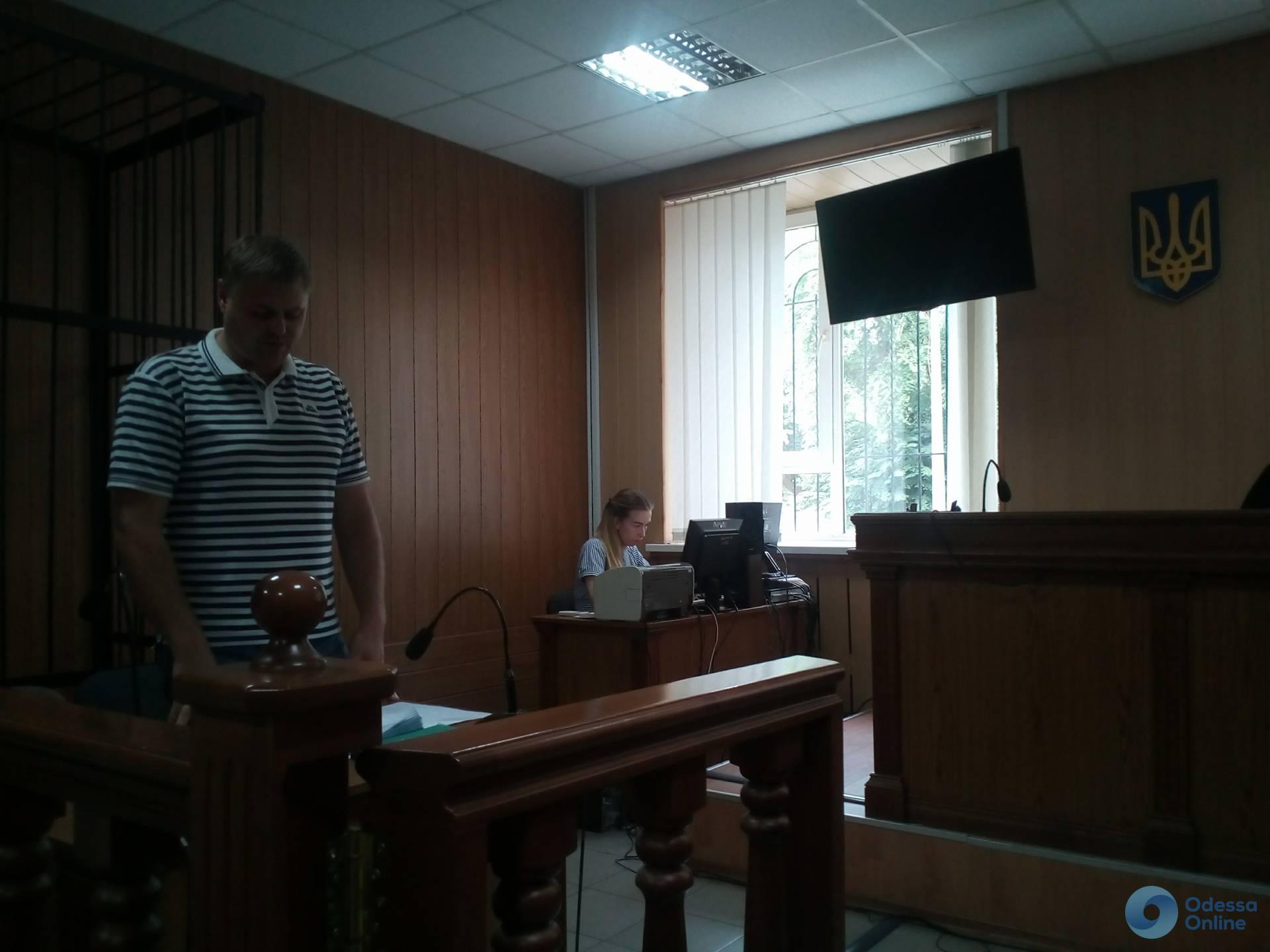 Одесский суд взял под стражу третьего пойманного на взятке полицейского