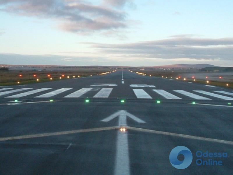 Министр инфраструктуры: новая взлетная полоса Одесского аэропорта будет готова в 2019 году